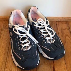 Skechers D'lites 9.5 Wide fit blue pink comfort